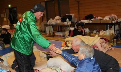 杉良太郎、福島県へ支援物資訪問