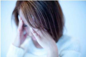 雨が降りそうな天気だと頭痛になる……女性に特に多い「低気圧頭痛」って?