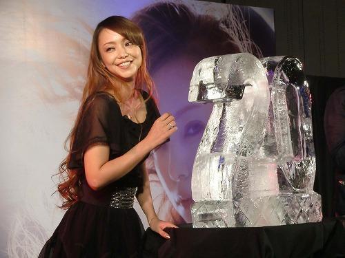 安室奈美恵、初のアルバム3週