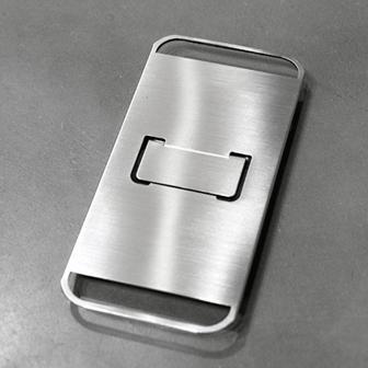 これは渋い!ステンレス素材を活かしたシンプルでカッコいいiPhone 5ケース「FLAP」発売