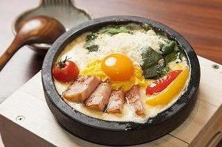 うどんとごはんのコラボ!? 東京都・新宿歌舞伎町でうどんめし新発売