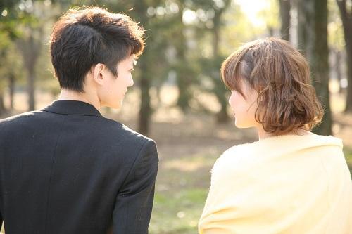 男性が本当に好きなキスの仕方・8選