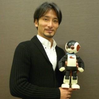 デアゴスティーニ 週刊『ロビ』が品切れ続出の大人気! 生みの親・高橋智隆氏に訊く――「ロビ」が切り開く家庭用ロボットの未来 (1) バーチャルな方向に行き過ぎた反動で、みんなリアルなモノが恋しい