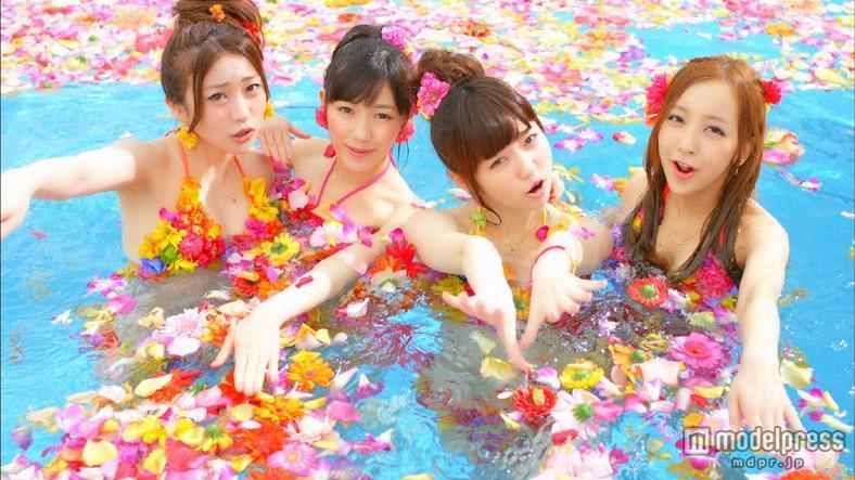 AKB48、カラフル水着で圧巻ダンス 新曲MV解禁