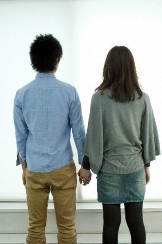 4割の男性が「デート代を全く払わない女性は恋愛対象から外す」と表明!