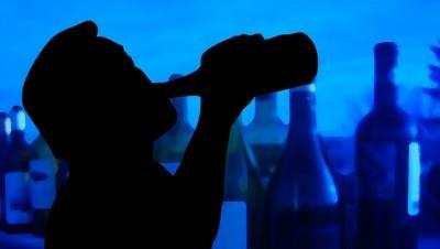 お酒が好きな若者は、浮気の確率が10倍―ニュージーランド研究