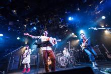 D.W.ニコルズがツアー千秋楽でグローブ座ワンマン公演決定を発表
