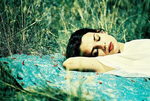 安眠を妨げる原因はコレだった!? 悪夢を見てしまうNG習慣5つ