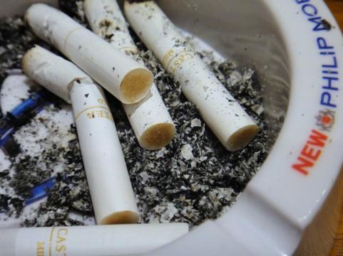 親の喫煙が影響!受動喫煙で子どもの歯周病リスク増大の恐れ