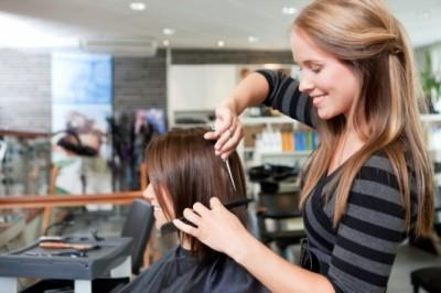 意外と知らない知識「美容師と理容師の違い:理容師はヒゲがそれる」