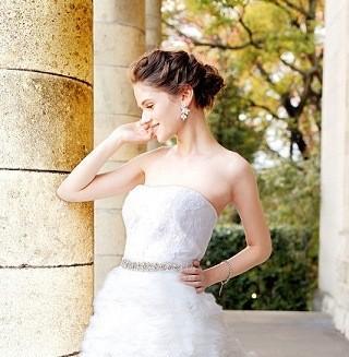 英国プリンセス愛用ブランドが世界初コラボしたウエディングドレス登場