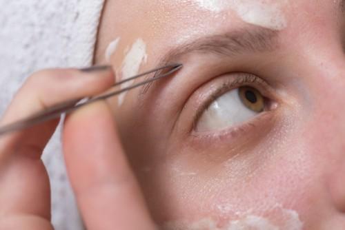 瞼のたるみのNG習慣が判明