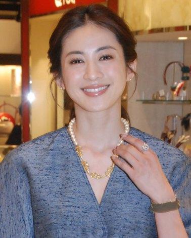 高垣麗子、再婚後初の公の場