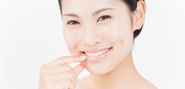 気になる歯並び。【矯正治療と審美歯科治療】どっちを選ぶ?
