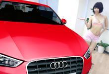 """ギネス認定!「<span class=""""hlword1"""">Audi</span>」実物大広告が巨大&超リアルだったので、オフィスで水着モーターショーを開催してみた"""