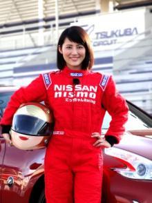 福田彩乃がレーサーデビュー「感じたことのない横Gを体験」