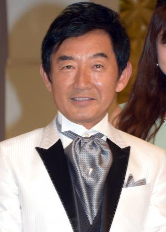 石田純一、初の探偵役で自虐