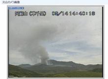 阿蘇山噴火「雨のように灰が降ってくる」 凄まじさ伝わる写真が次々アップされる