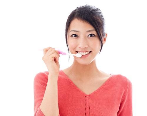今すぐやめなきゃ将来ボロボロ!歯科医は絶対しない「歯が傷つくNG習慣」4つ