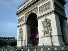 仏テロで観光産業打撃 年末年始の中国人の代替旅行先は日本