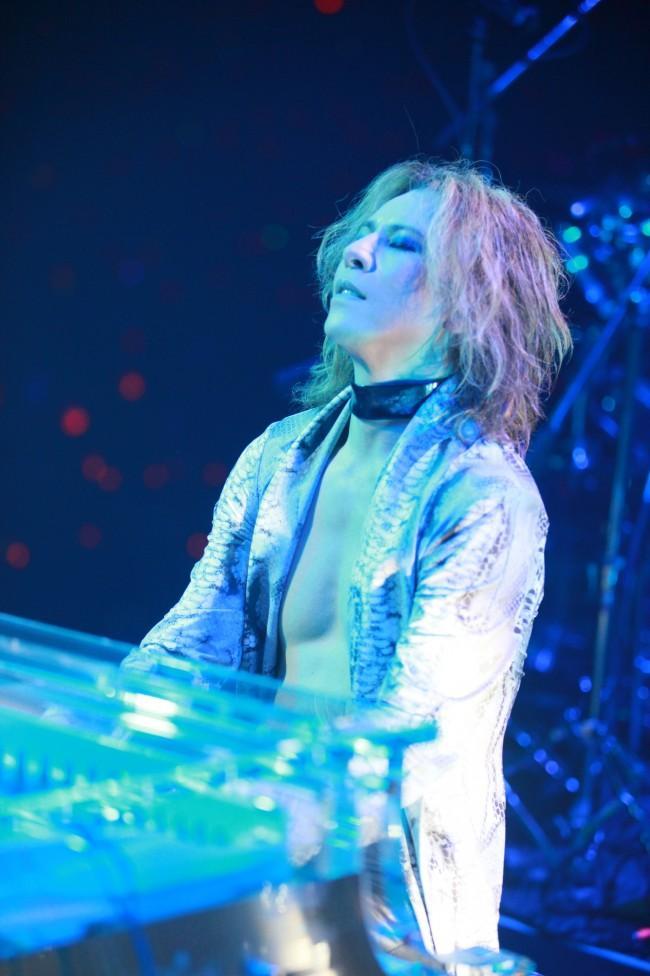 「X JAPAN」YOSHIKI、サンダンス映画祭で生演奏 『WE ARE X』も世界初公開