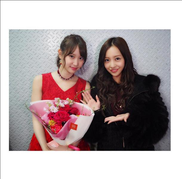 板野友美 AKB48卒業の永尾まりやとのツーショット公開