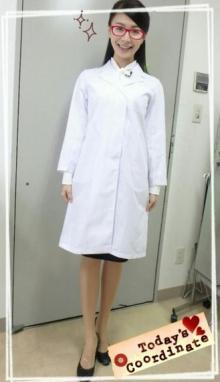 八田亜矢子 キリッと白衣姿公開「賢そうに見えるので嬉しい」