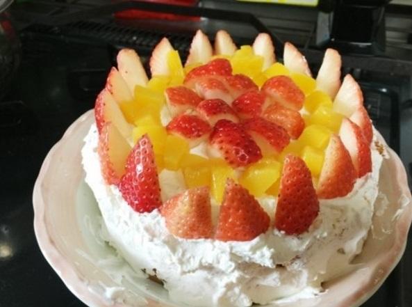 くわばたりえ 人生初のケーキ作り報告&公開「上手に出来た」