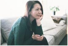 小泉今日子、自宅で私服&ノーメイク撮影 丸腰で挑む「誰も知らないプライベート」