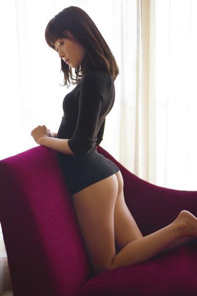 指原莉乃、美尻カット大反響「安心してください、履いてません!」