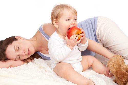 産後で気が抜けちゃってる?ママ必見「若返りホルモン」の増やし方