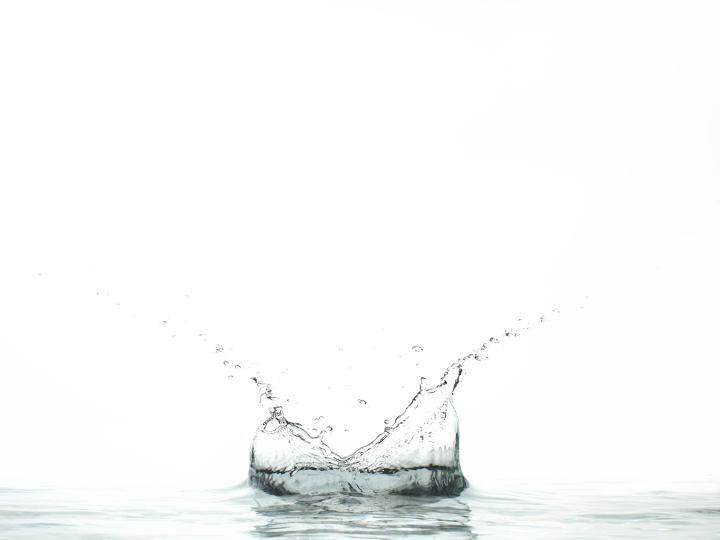 今、注目の水素水! 気になる肌への作用は?!