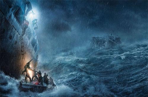 真っ二つに割れ沈没する巨大タンカーを小舟で救えるか? 迫力映像が解禁!