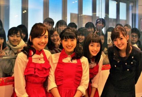 土屋太鳳、松井愛莉、広瀬すずが甘い恋愛トークで盛り上がる