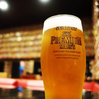 10万円でビール一生飲み放題のスナックうまい棒、対象を全ドリンクに拡大