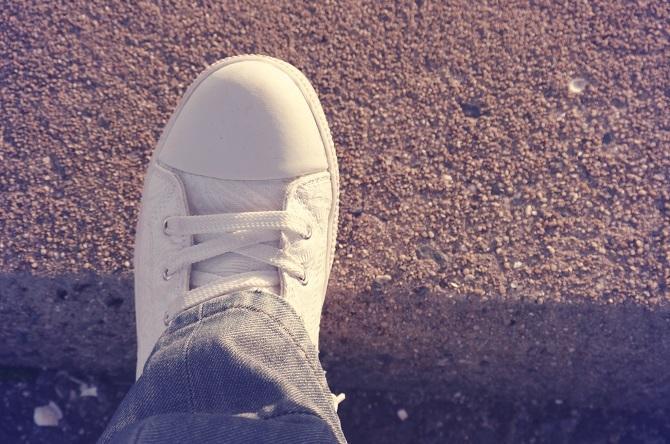 【色彩心理学】白シャツに白スニーカー……ホワイトファッションが好きな人の性格はこれだ!