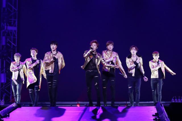BIGBANGの弟分iKON、初武道館で1万3000人魅了「夢のよう」