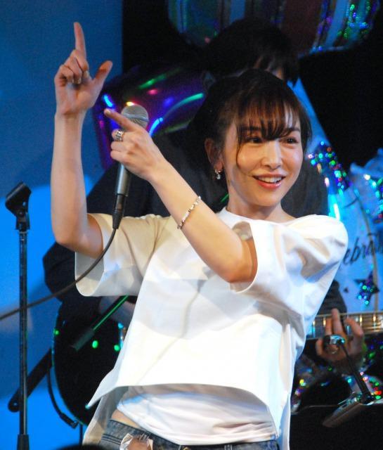 加護亜依、3人組ユニット『Girls Beat!!』脱退へ