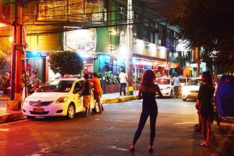 [独占告白]フィリピン女性1万2千人を買った元校長 「1日30人は当たり前」仰天の性癖を饒舌に語った!