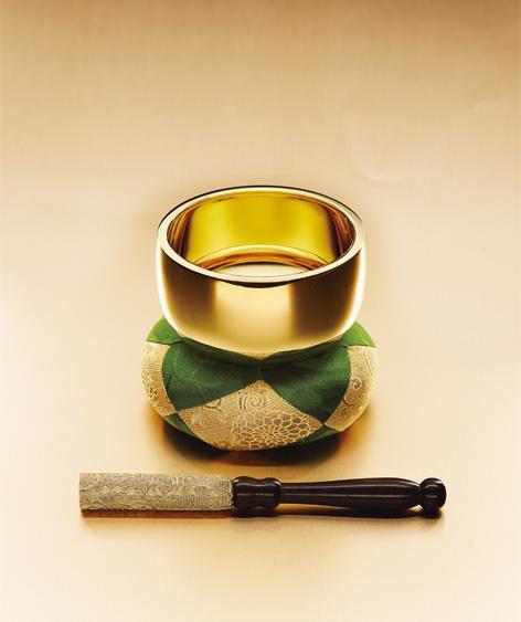 純金の仏像・仏具が人気 富裕層が相続税対策で注目