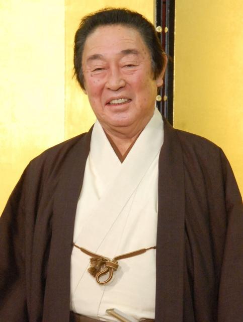 尾上菊五郎が舞台復帰 胃潰瘍で3日から休演
