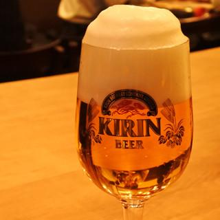 川崎駅地下でこだわりビールを飲み比べ! - ヱビスとキリンの戦い