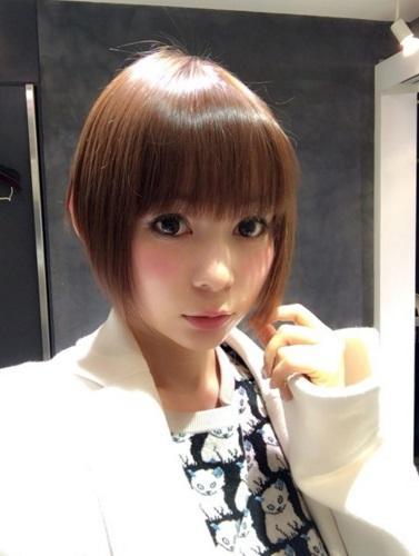 中川翔子 髪を50㎝以上切ったショートヘア写真公開で称賛の声続出