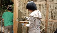 「かやぶき」から「土壁塗り」まで! 古民家を修復するサークル『古民家族』って?