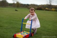 英シャーロット王女、激カワ写真が公開 5月2日で1歳に