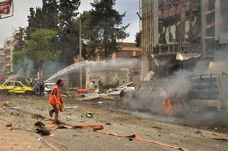 病院砲撃で3人死亡 シリア