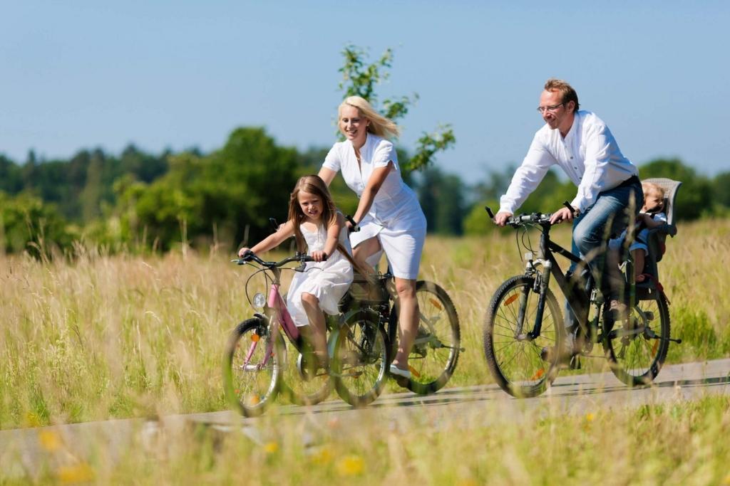 自転車の 自転車 赤ちゃん 母親 : おんぶで自転車は合法、でも ...