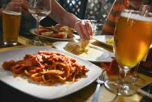 アナタの家庭はいくら? ひと月に使う「家族での外食費」ランキング