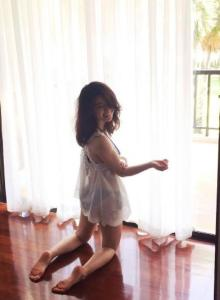 大島優子、見返りセクシーショット披露 チラ見えにファン興奮!?