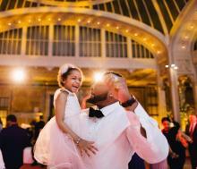 NFLスター選手がガンを克服した愛娘と見せたダンスが感動的すぎると話題に【動画】